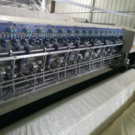 电脑多针绗缝机缝制图