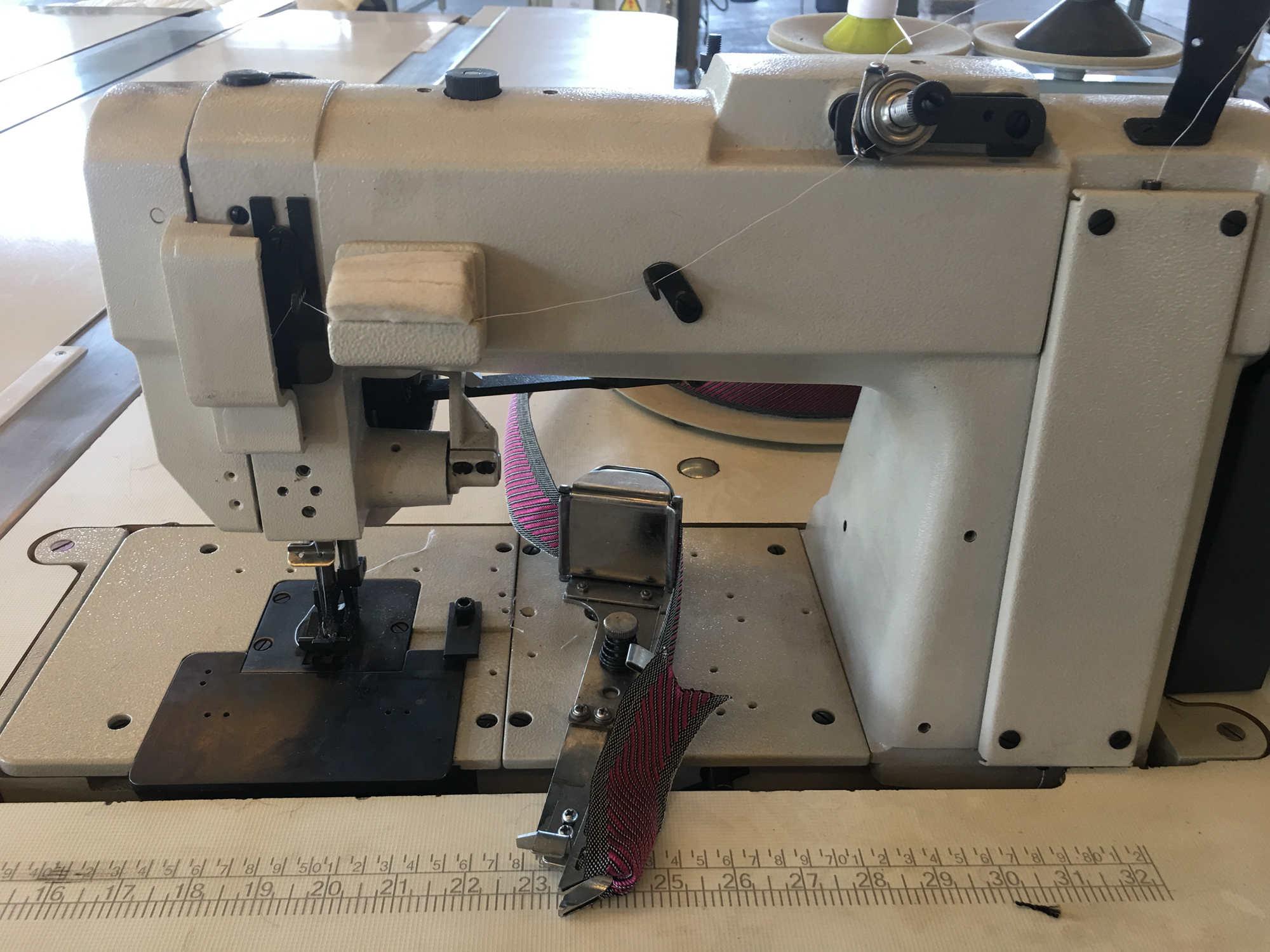 包邊縫紉機細節